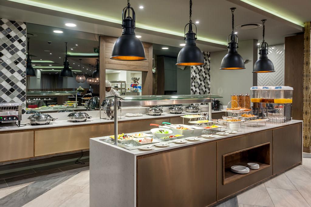 Breakfast | Mayfair Hotel