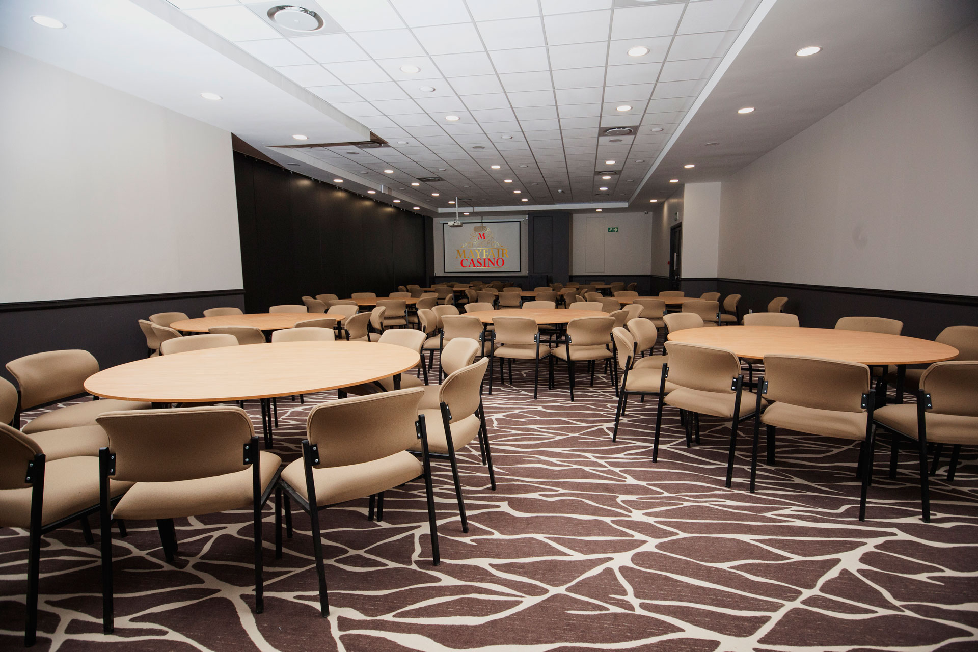 Rounds Style Conference Facilities | Mayfair Hotel